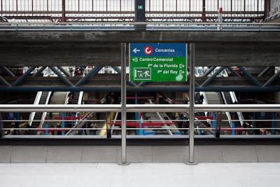 Estación de metro Príncipe Pío, salida centro comercial